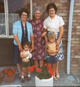 Back row, l-to-r: Eva, Edith, Ver.  Front row, l-to-r: little me(!), my brother Alex