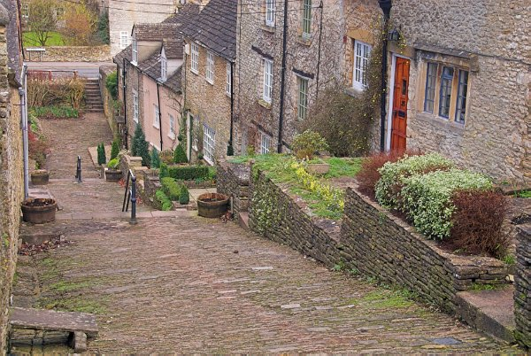 This cobbled lane with its old weaver's cottages is a medieval relic that abuts the old 'Chipping' or market place.